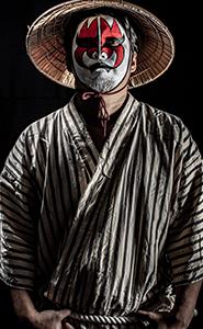 九州や沖縄で動画や映像を撮影するドローンの会社の与那覇祐輔(よなはゆうすけ)